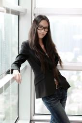 蒋笑伊        Vivi Jiang
