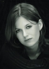 Shelle Lynn