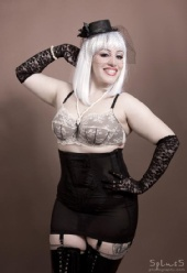 Lady Zombie - Lady Zombie does pinup!