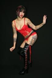 TaniaAnn - Red