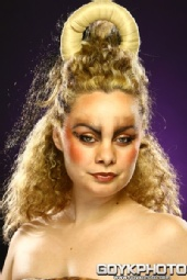 Daniza - Hair Wars
