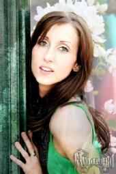 KH5990100 - Green Portrait