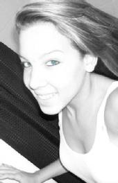 Demae - blue eyes