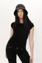 Nikole - hat full length
