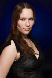 Sara Younger - Portrait shot