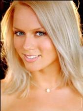 Stephanie Menet - Heashot
