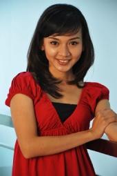 hansel tenujaya - lady in red