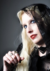damedraculina - gothic snow white
