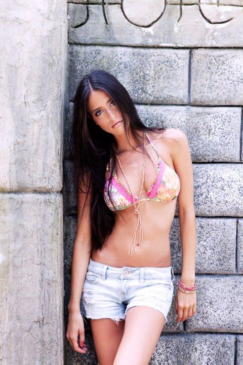 Reyhan Sofraci - Qiss Qiss