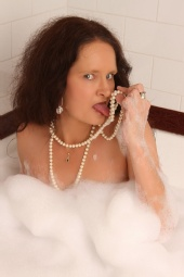 Kylie D - Bubbles.