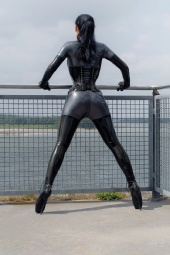 skintwotight - 4mm Latex Catsuit with 9 inch heels :)